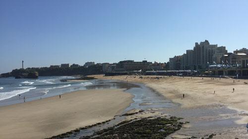 spot de surf de la grande plage à biarritz