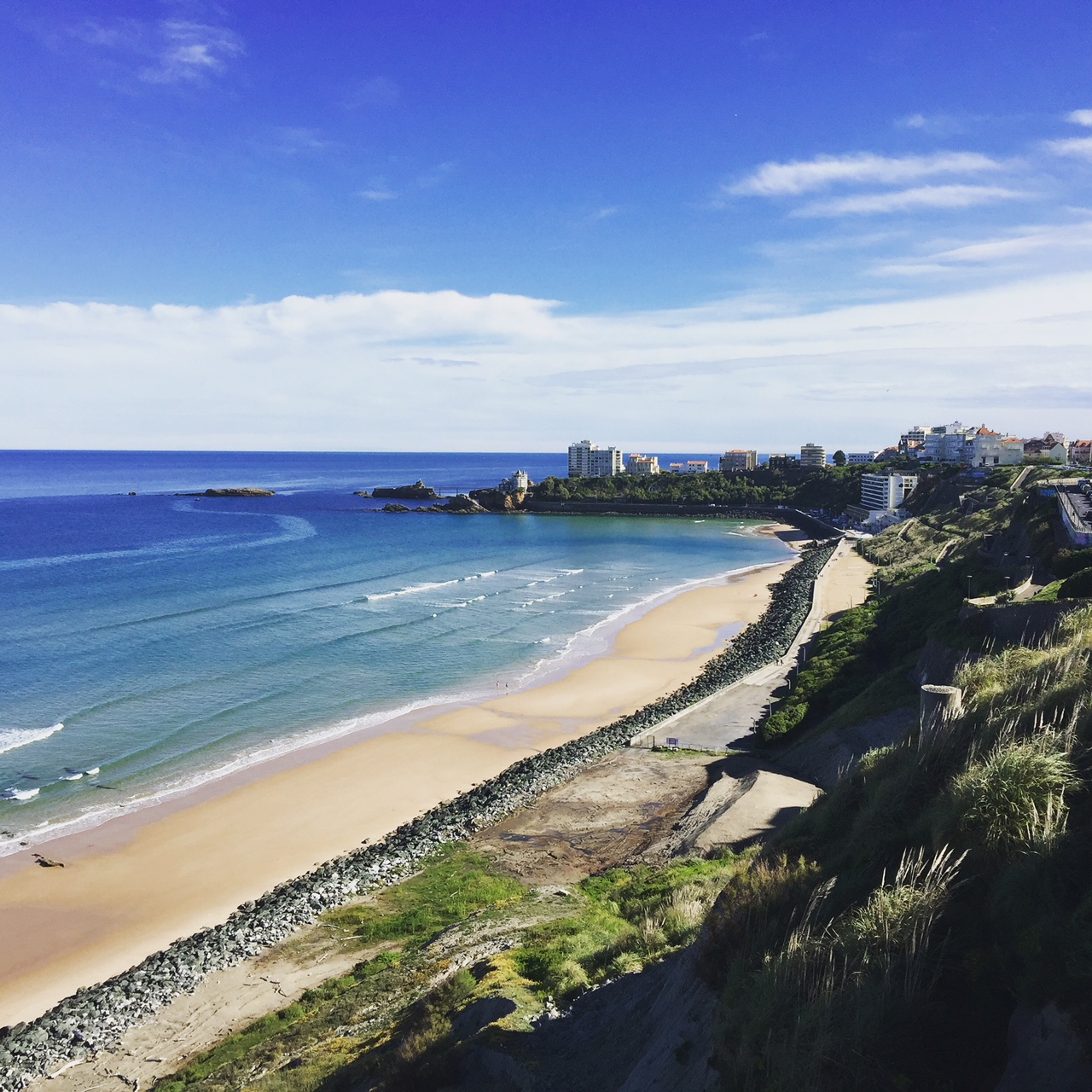 Discover the surf spots of the Basque coast: La côte des basques of
