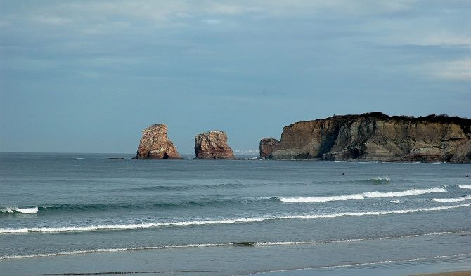 protected surf spot close to biarritz
