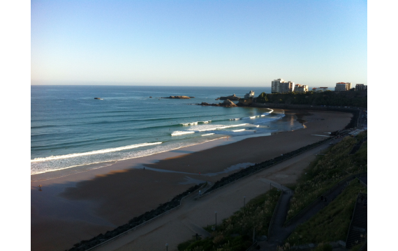 discover the surf spots of the Basque coast: La côte des basques of Biarritz