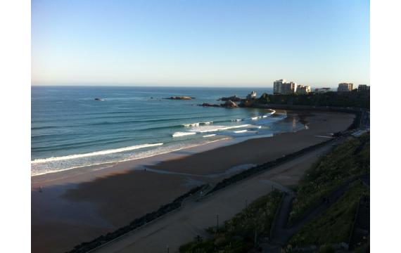 à la découverte des spots de surf de la côte basque: La côte des basques de Biarritz